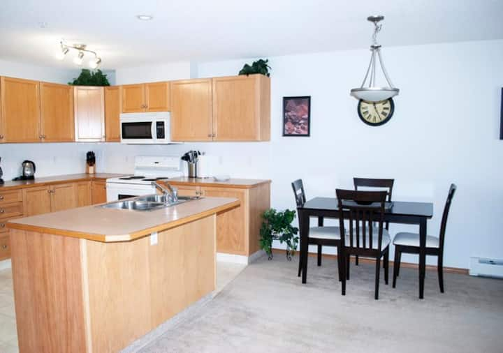 Spacious Two Bedroom+ Den Condo in Devonshire