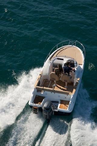 Rent a boat Zadar Jeanneau Cap Camarat 6,50 WA