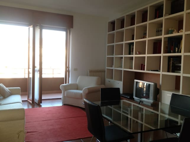 Spacious 1 bdrm flat with terrace in Lambrate area