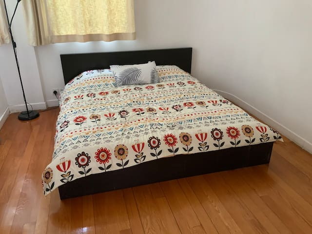The guest bedroom with a comfy Queen size bed.
