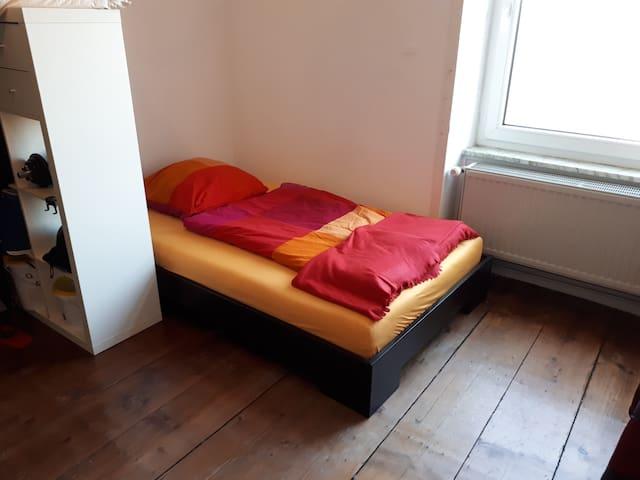 kleines Zimmer in Sachsenhausen