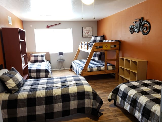 Route 66 Sleeps 6 @ The Portico