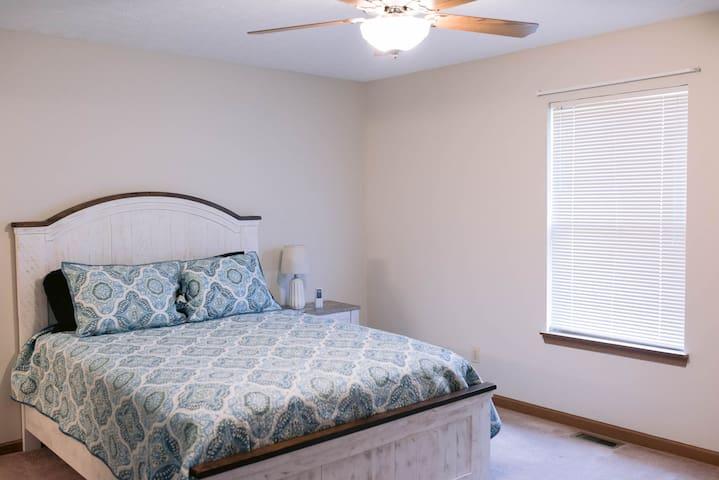 2nd bedroom with  beautiful queen bed