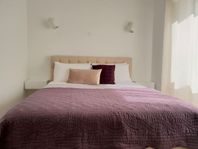 Bedroom with King Size bed, Smart TV and Air Conditioning