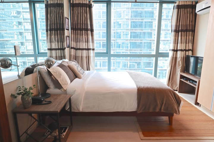 1BR One Uptown BGC across Uptown Mall, Grand Hyatt