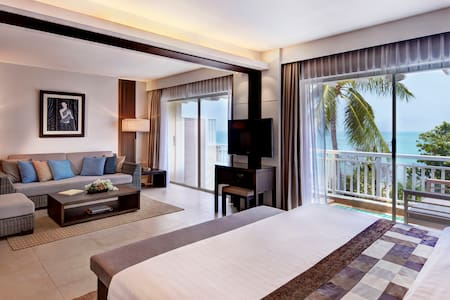 Luxury Suite Partial Sea View on Private Beach