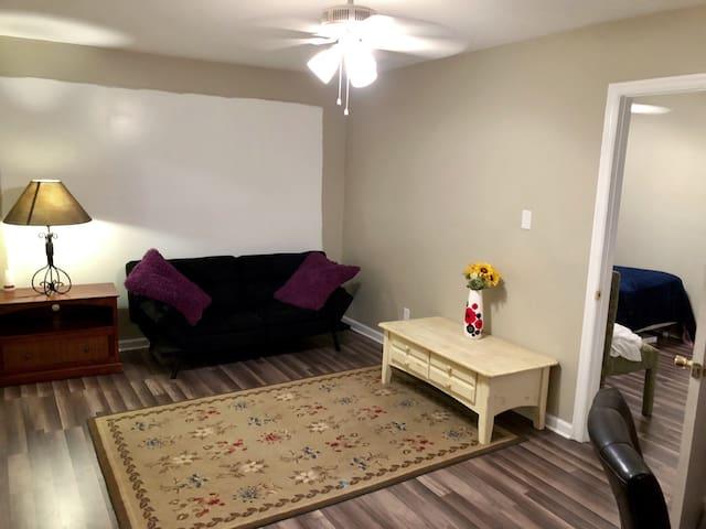 LIVE OAK PLACE - Quiet Private Apartment Downtown