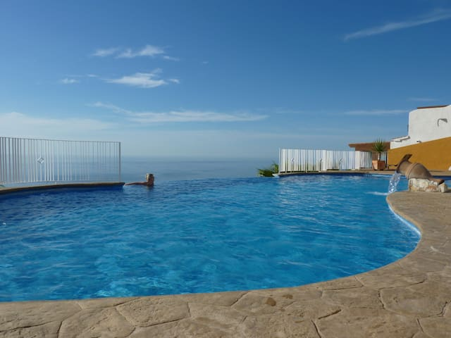 Penthouse Apartment with Breathtaking View, Pool - Benitachell - Apartamento