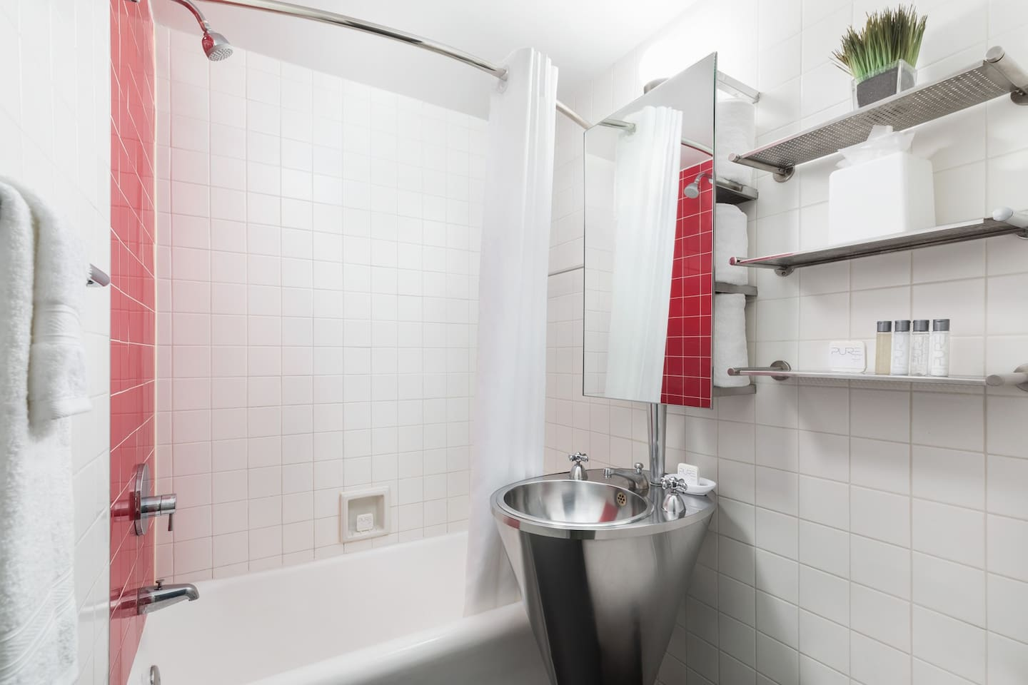 Private Bathroom in all Guestrooms