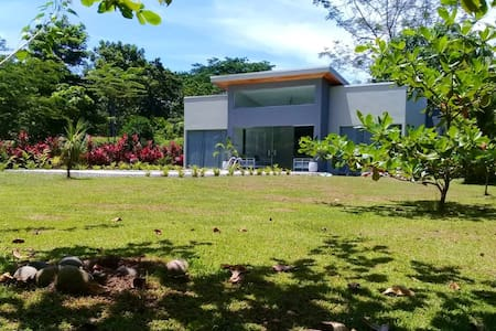 Lilan Nature, Modern House (2) with swimming pool.