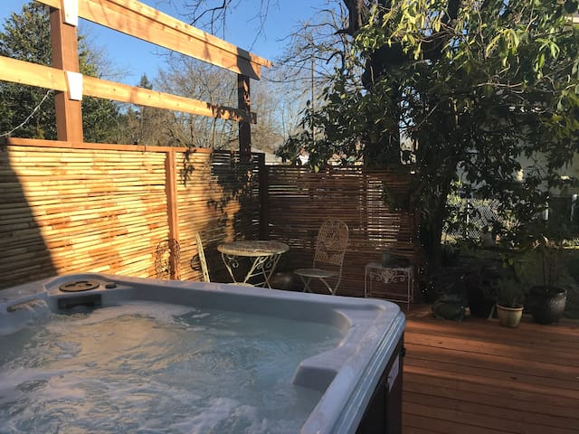 Lux Suite with Hot Tub in Historic Home