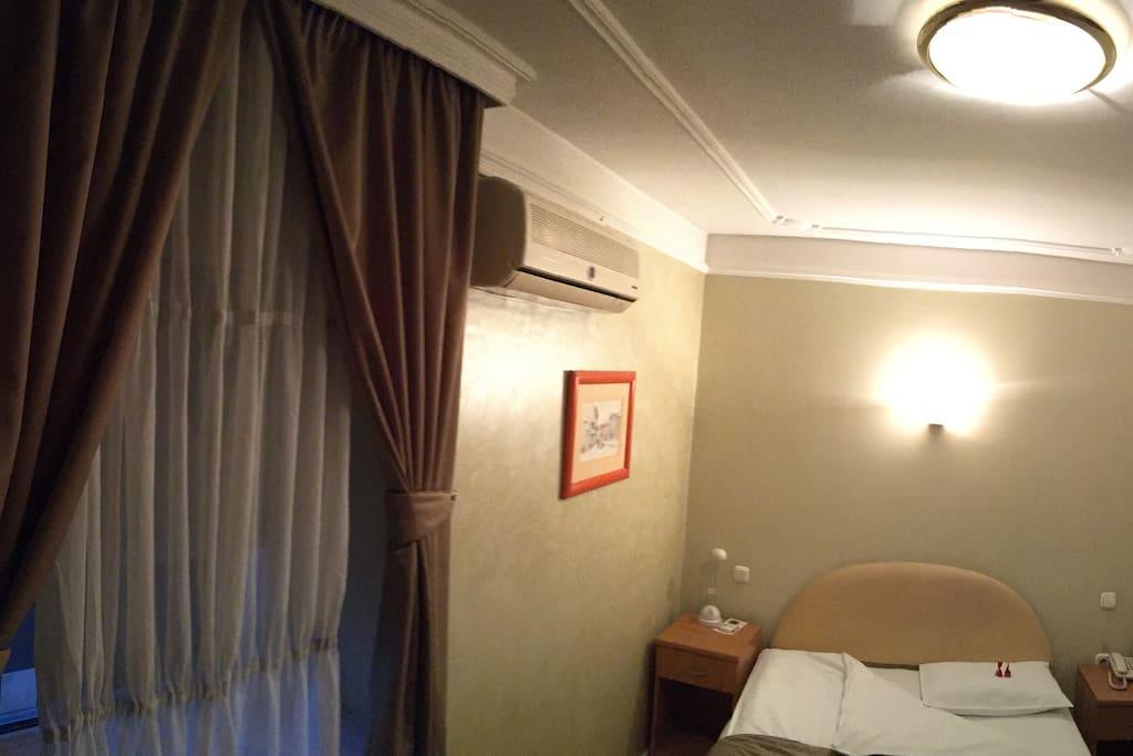 Very cozy french bed / udban francuski lezaj