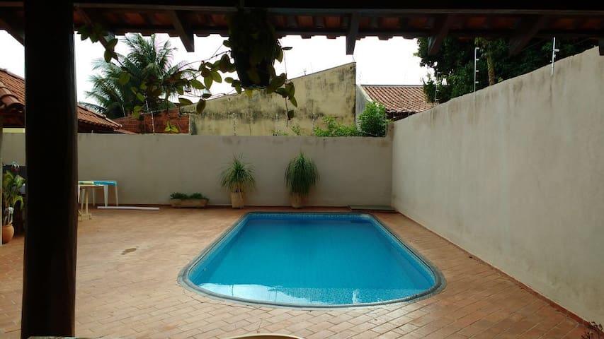Casa residencial com piscina