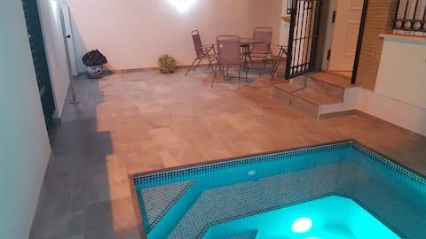 Hus med eksklusivt privat basseng med 5 soveplasser i Sucina