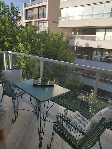 Monoambiente con balcón  Puro sol todo el día