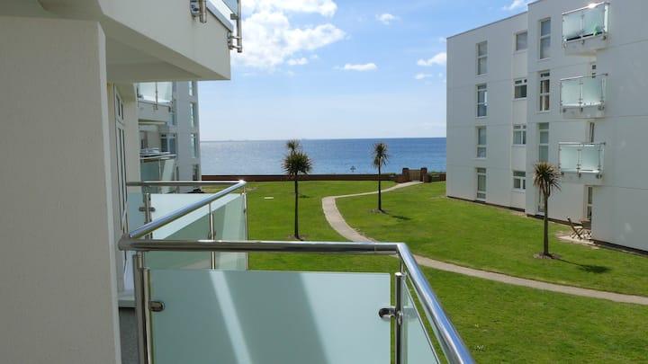 Private Beach Access, Modern Apartment, Sea Views