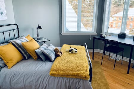 Windcrest Estates Double Room great for a student.