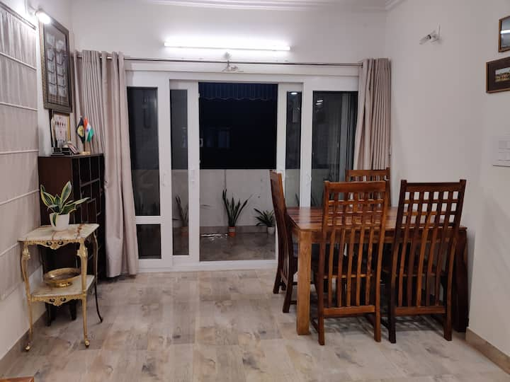 Edith's lodging - Munirka, South Delhi