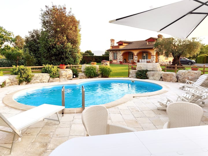Tuscan Villa exclusive use of private pool AC WIfi