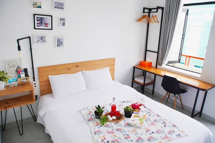 ⭐⭐300M T0 BEACH⭐⭐ -Bird Room With Balcony -