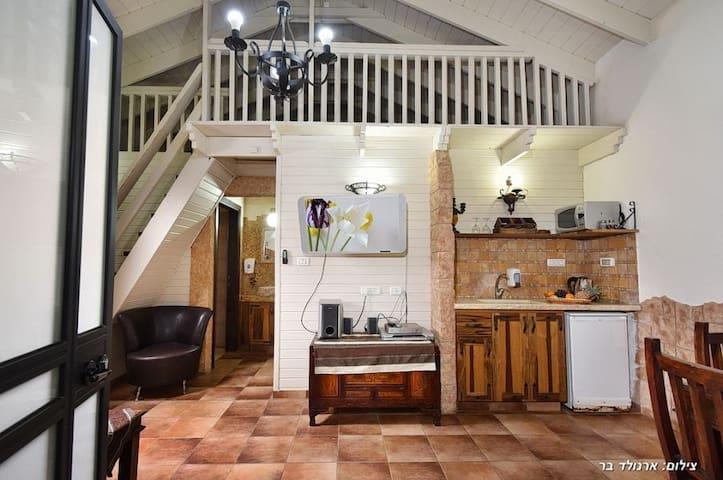 Bustan Bakfar - olive cabin