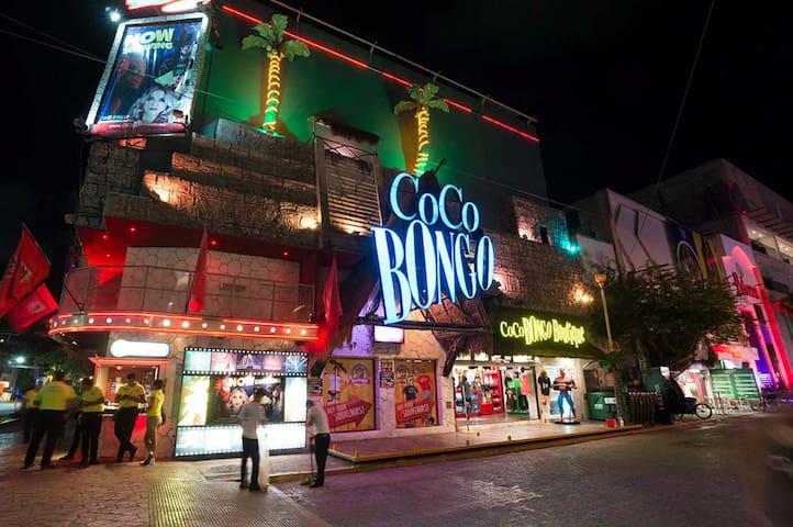 Playa's nightlife is within walking distance.