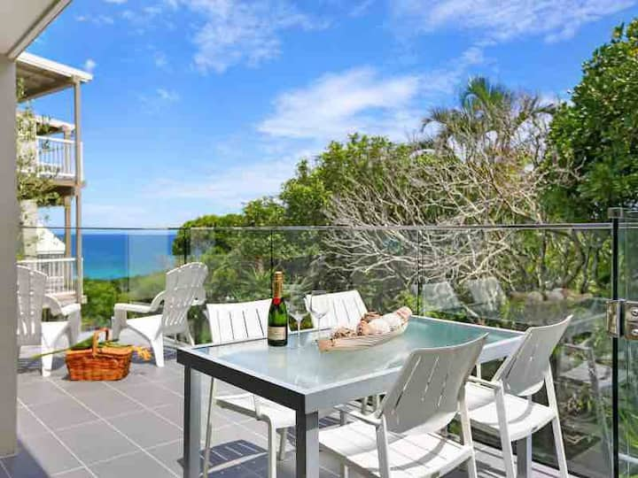 Ocean View Townhouse at Sunshine Beach