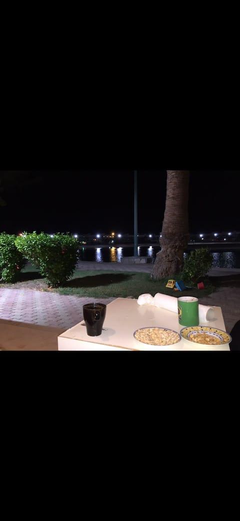 شقه مطله على البحر جدة استمتع Beautiful  Jeddah