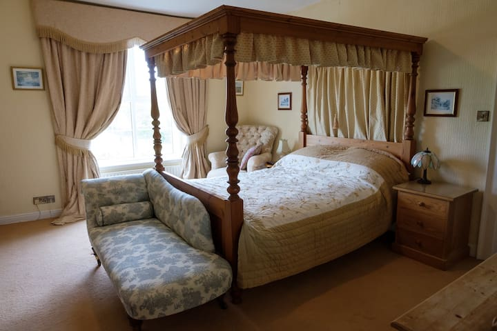 Superior Double Room at Ford Down Farm B&B