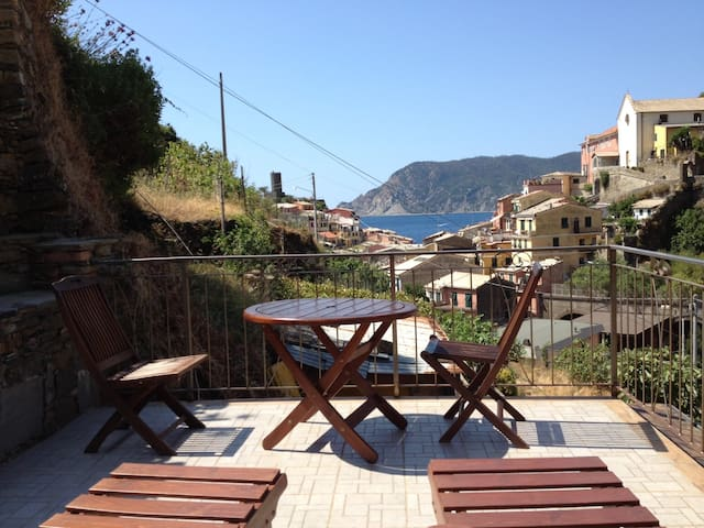 Camere Giuliano Basso, Vernazza: Cottage with view - Vernazza - Maison