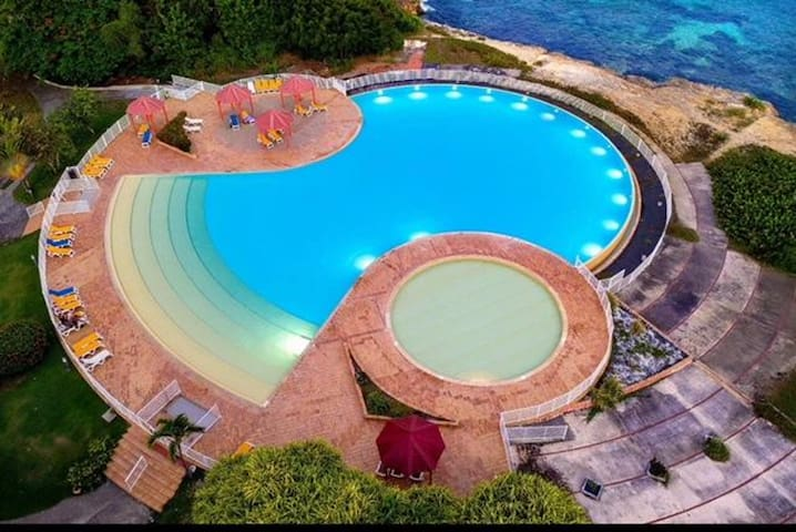 Bello apt con accesso piscina