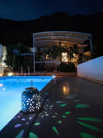 ctma144/ Charming holiday home, away from the crowds with private pool in Makarska, up to 4 persons- Villa Ana