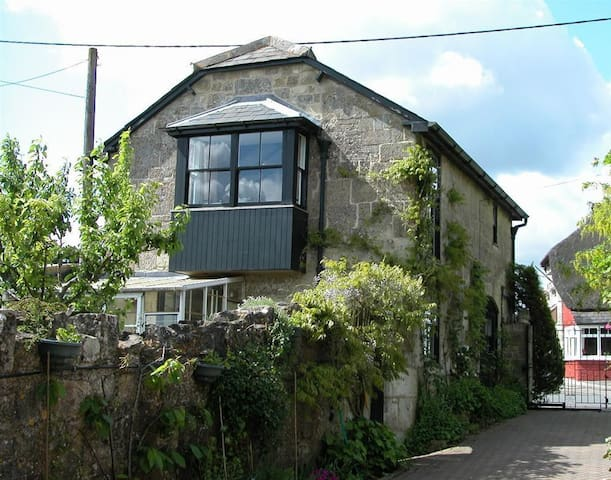 The Old Coach House, Shaftesbury (H153)