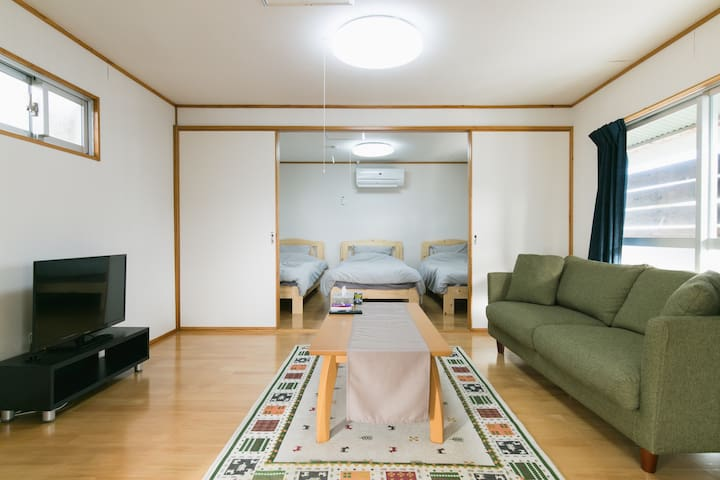 Amazing location central Naha whole house renting