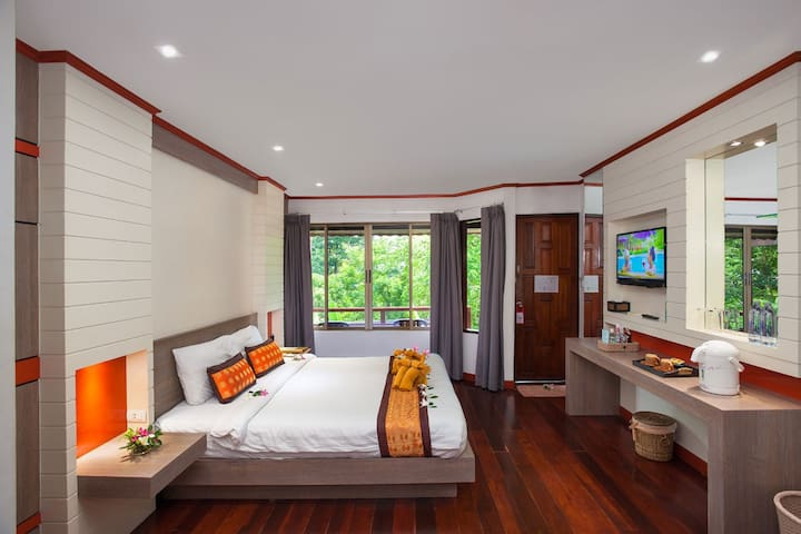 Tranquil Superior Room in Phi Phi Islands!