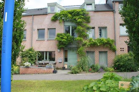 Grande chambre avec terrasse - Haus