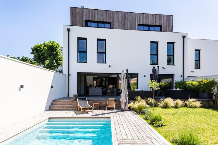 La Maison de Verre- Luxueuse villa avec piscine