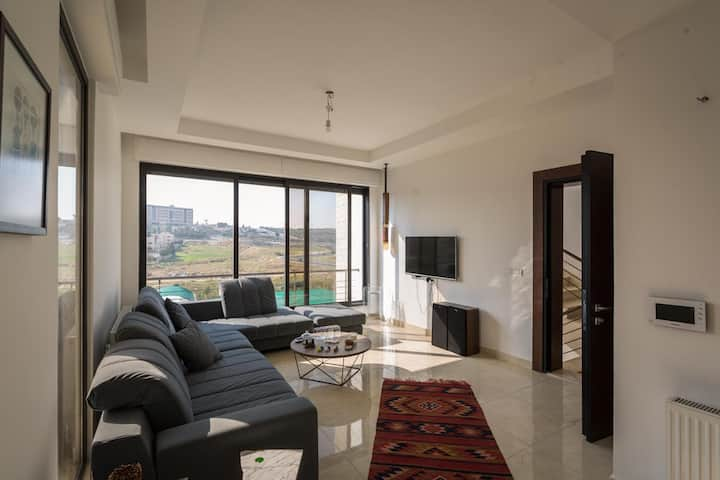 Newly modern flat located in the heart of the city
