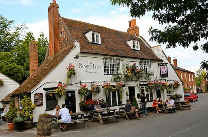 The pub / restaurant in Wickhambreaux, about 20 minutes' walk from my house.
