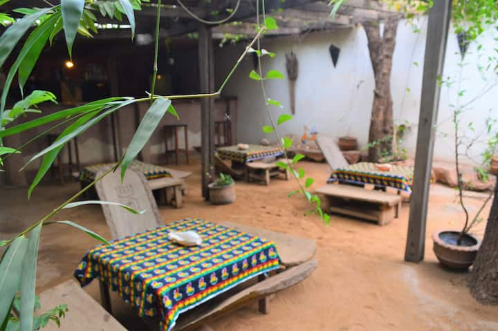 Auberge Djamilla - Jardin et Ambiance familiale