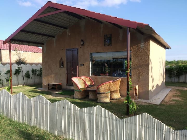 Yaduvanshi Farm's and Resort Room 1