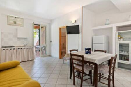 Trilocale A Alimini Home