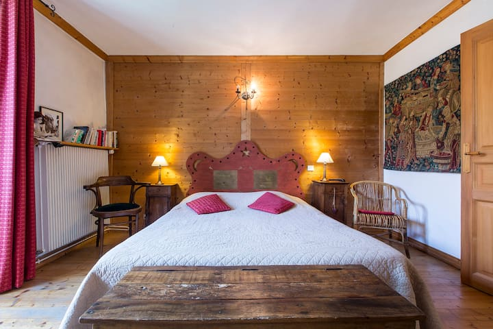 charming B'n'B in medieval city 30 min from ski! - Albertville - Bed & Breakfast
