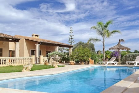"""La Torre"" -Wifi- AirCon- Seaview - Pool - Grill - Illes Balears - Dom"