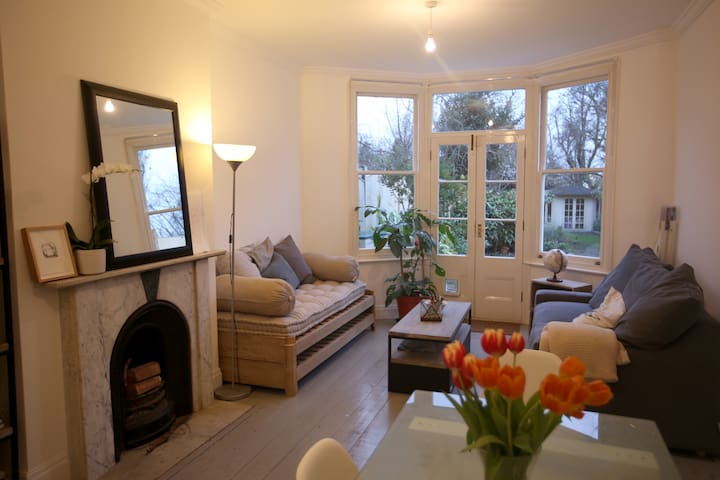 Light, spacious and tranquil garden flat - London - Apartment