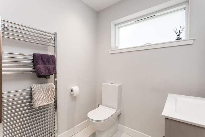 exclusive use WC and shower