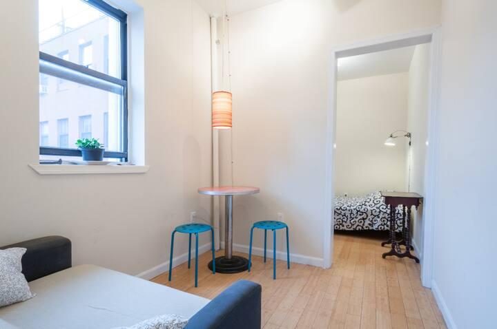 Cozy Room w/ Private Lounge Nolita
