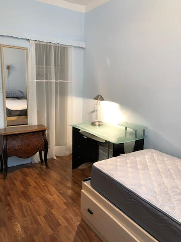 Cozy 1 room in Sheepshead bay, Brooklyn