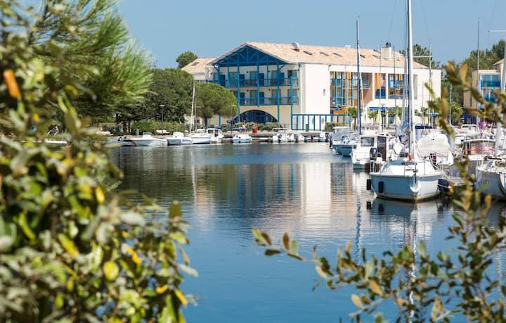Appartement Abordable au Bord du Lac   Wi-Fi Gratuit + Parking!