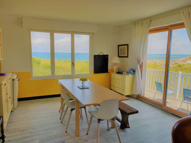 Amazing sea view house in Brittany